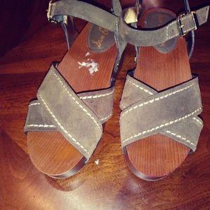 Sam Edelman wedge sandals. Brylee. Moss green